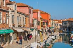 威尼斯,意大利, 2017年2月14日 威尼斯市意大利 在Murano海岛上的看法 威尼斯式的横向 免版税图库摄影