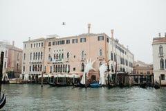 威尼斯,意大利- 2017年10月 历史的中心威尼斯和大运河历史的廉价公寓 库存图片