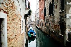 威尼斯,意大利- 2017年10月 历史的中心威尼斯和大运河历史的廉价公寓 免版税库存照片