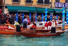 威尼斯,意大利- 2018年1月06日, :在Gran的Befana赛船会 免版税库存图片