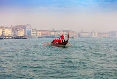 威尼斯,意大利- 2018年1月06日, :在Gran的Befana赛船会 免版税库存照片