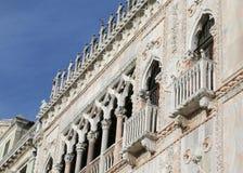 威尼斯,意大利- 2015年12月31日:宫殿的细节叫加州 免版税库存照片