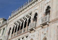 威尼斯,意大利- 2015年12月31日:建筑细节  免版税库存图片