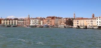 威尼斯,意大利- 2016年7月14日:房子在威尼斯式盐水湖 免版税库存照片