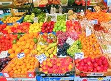 威尼斯,意大利- 2017年5月04日:果子摊位的细节在威尼斯 免版税库存照片