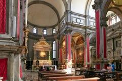 威尼斯,意大利- 2017年8月14日:ss萨尔瓦托雷教会的内部  免版税图库摄影