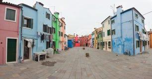 威尼斯,意大利- 2016年2月09日:在五颜六色的房子的看法从 免版税库存照片