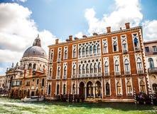 威尼斯,意大利- 2016年8月19日:在大运河都市风景的看法2016年8月19日的在威尼斯,意大利 免版税库存照片