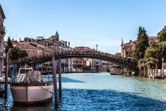 威尼斯,意大利- 2016年8月17日:在大运河都市风景的看法2016年8月17日的在威尼斯,意大利 免版税库存照片