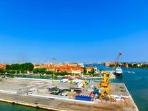 威尼斯,意大利- 2015年6月06日:巡航口岸 免版税库存图片
