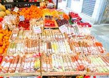 威尼斯,意大利- 2017年5月04日:果子摊位的细节在威尼斯 库存图片