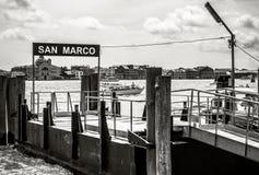 威尼斯,意大利- 2016年8月19日:著名古老码头在2016年8月19日的威尼斯,意大利特写镜头在威尼斯,意大利 库存图片