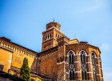 威尼斯,意大利- 2016年8月17日:著名建筑纪念碑和老中世纪大厦特写镜头五颜六色的门面8月的 免版税库存照片