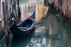 威尼斯,盐水湖城市,运河和狂欢节面具 库存照片