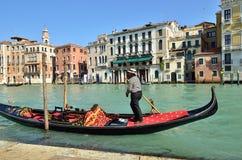 威尼斯,长平底船 库存照片