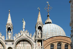 威尼斯, ITALY/EUROPE - 10月12日:圣徒标记部份看法  免版税库存图片