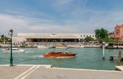 威尼斯 在Ferrovia的水出租汽车 库存图片
