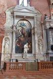 威尼斯-边教会圣玛丽亚Gloriosa dei Frari Zane法坛  库存照片