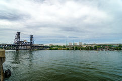 威拉米特河和波特兰 库存照片