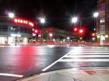 威斯康辛大道在华盛顿特区的晚上 免版税库存图片