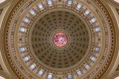 威斯康辛状态国会大厦内在圆顶细节 库存图片