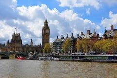 威斯敏斯特宫殿和大本钟,伦敦,英国 图库摄影
