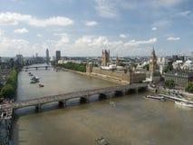 威斯敏斯特宫殿和泰晤士,看见从伦敦眼 库存图片