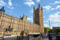 威斯敏斯特宫维多利亚塔在伦敦,英国英国 免版税库存照片