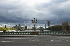 威斯敏斯特桥梁和地平线城市 英国伦敦英国 免版税库存图片