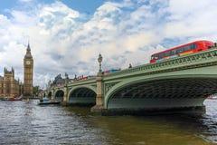 威斯敏斯特桥梁和大本钟,伦敦,英国,英国 库存图片