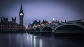 威斯敏斯特桥梁和泰晤士,伦敦 免版税图库摄影