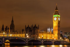 威斯敏斯特桥梁看法在伦敦的心脏 库存照片