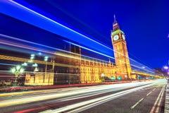 威斯敏斯特桥梁看法在伦敦的心脏 免版税库存图片