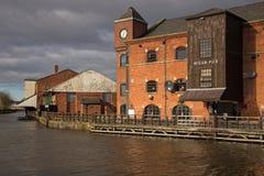 威根码头的一个被更新的老仓库 库存照片