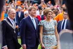 威廉亚历山大国王和女王/王后MÃ荷兰的¡ xima,国王` s天2014年,阿姆斯特尔芬,荷兰 库存照片