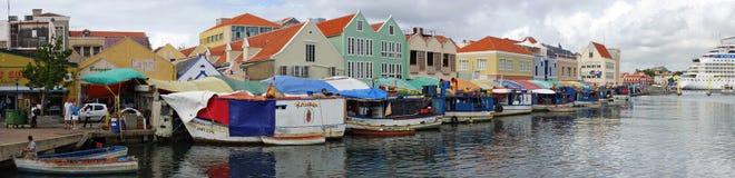 威廉斯塔德,库拉索岛, ABC海岛港口  免版税库存图片