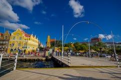 威廉斯塔德,库拉索岛- 2015年11月1日:女王埃玛桥梁 库存图片