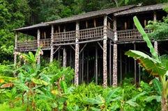 婆罗洲沙捞越部族longhouse结构 库存照片