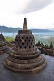 婆罗浮屠, 9世纪佛教寺庙在马格朗,中爪哇省,印度尼西亚 库存图片