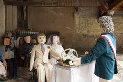 婚姻在村庄教会Campan里 库存照片