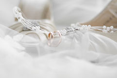 婚姻彩色照片的鞋子 免版税图库摄影