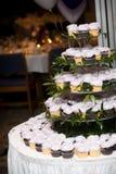 婚姻的杯形蛋糕 库存图片