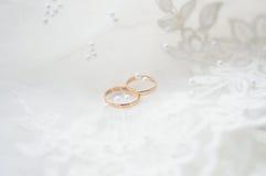 婚姻的金戒指 免版税库存照片