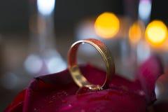 婚戒关闭 免版税库存照片
