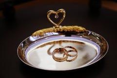 婚戒背景 免版税库存图片