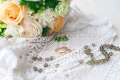 婚戒花束婚姻白色新娘 图库摄影