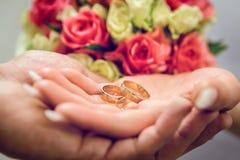 婚戒,婚戒在婚礼之日 库存图片