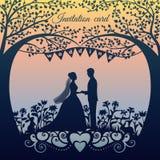 婚礼与剪影新娘和新郎的邀请卡片 免版税库存图片