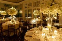 婚礼为招待会布置的焦点桌 图库摄影