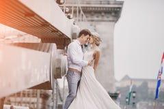 婚礼之日在布达佩斯 免版税库存照片